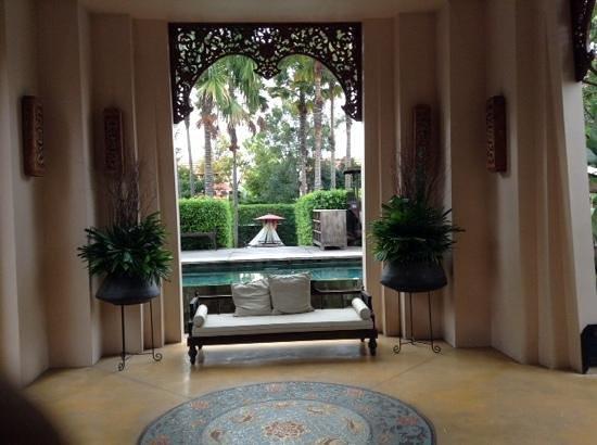 Siripanna Villa Resort and Spa Chiang Mai: ingang van het hotel