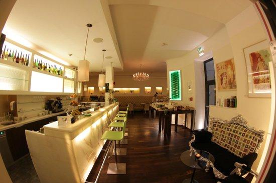 Hotel Rathaus Wein & Design: Bar