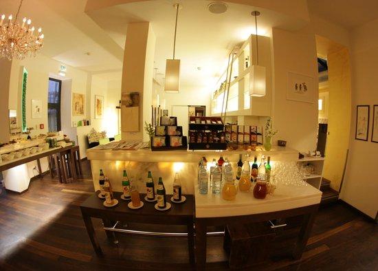 Fr hst cksbuffet picture of hotel rathaus wein design for Design hotel vienna