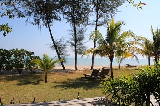 Thiw Son Beach Resort: View from A1