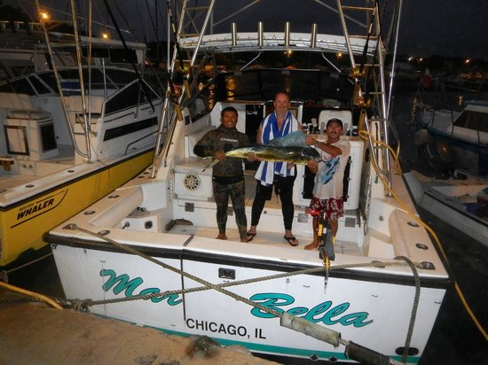 Billfish Boys: The first Mahi Mahi in 2014