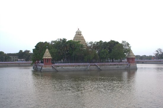 Vandiyur Mariamman Teppakulam: One of the oldest Teppakulam in Tamil Nadu.