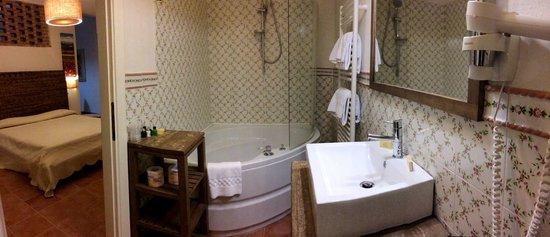 Il Baio Relais & Natural SPA: Il bagno della suite Peonia