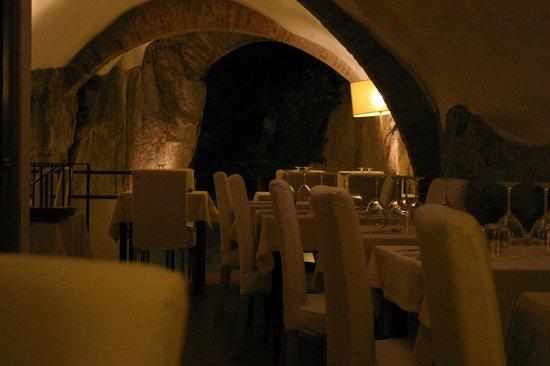 Ristorante La Grotta: Interno del locale Piano superiore