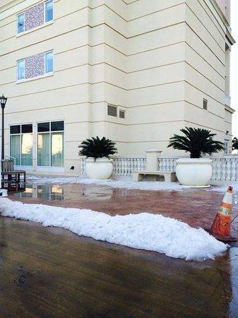Marriott's OceanWatch Villas at Grande Dunes: Snow in February!