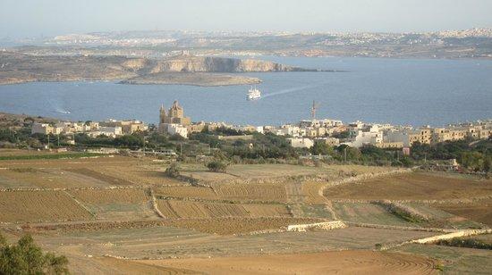 Narcisa: Comino and Malta from Nadur belvedere