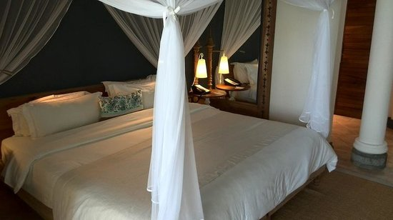 Paradise Cove Boutique Hotel: bed