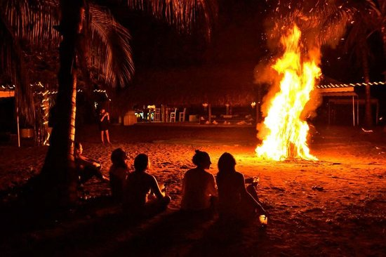 Playa Koralia: FOGATA