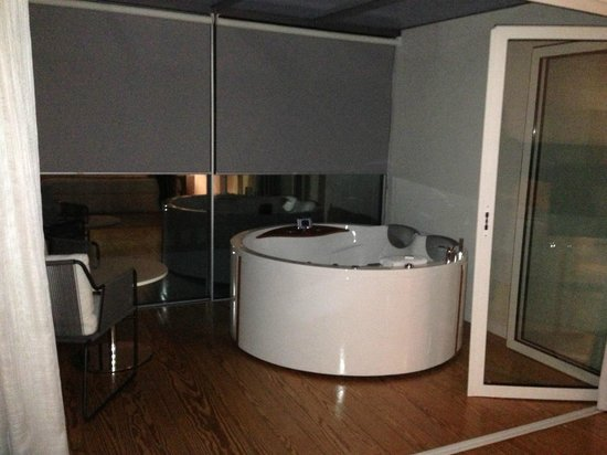 Inspira Santa Marta Hotel : vasca idromassaggio in sala