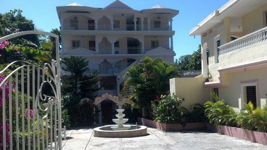 jaclef plaza hotel prices reviews jacmel haiti. Black Bedroom Furniture Sets. Home Design Ideas