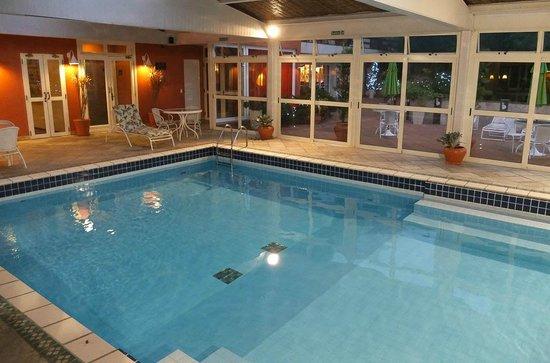 Boutique Hotel Varanda das Bromelias: piscina