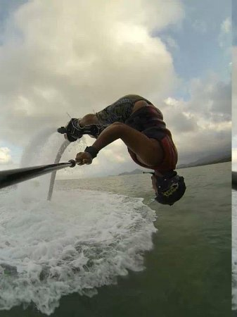 Flyboard Cairns: trying dolphin diving on my first time