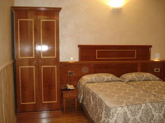 Hotel Pantheon : Hab 402