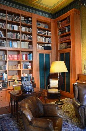 Museum Geelvinck Hinlopen Huis: biblioteca