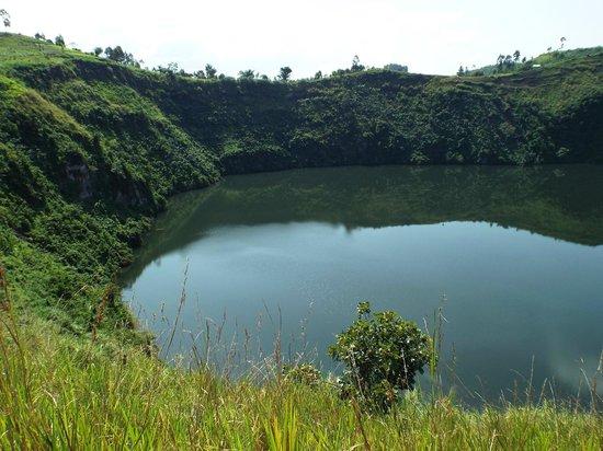 Katara Lodge: Crater lake
