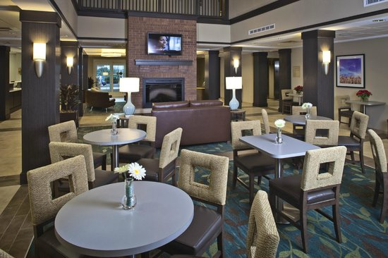 Candlewood Suites on Yuma Proving Ground: Lobby