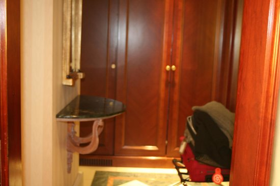 InterContinental London Park Lane: Hall de entrada da suite