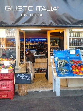 Gusto Italia - Ristorante Vegano Ristorante Vegetariano : Frutta, verdura, vino, formaggi, salumi