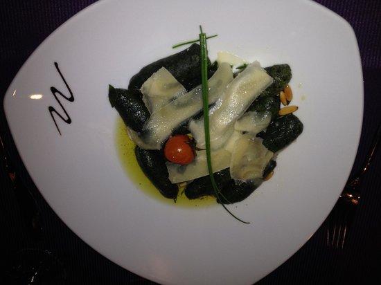 Lounge 1411 alt.: Spinach ravioli with parmesan.