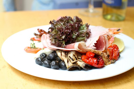 Pani's Cafe Bar : Antipasto Misto