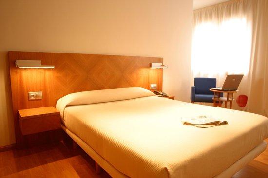 Hotel AB Murias Blancas: Habitación cama doble
