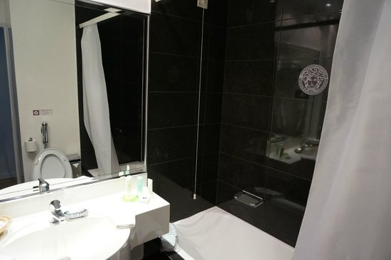 Theoxenia Palace Hotel : bathroom