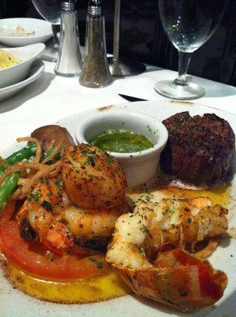 Ruth's Chris Steak House: Carne com frutos do mar