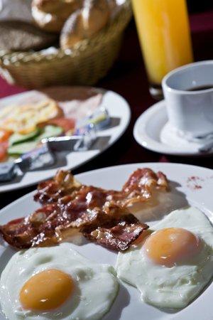 Jagello Business Hotel: Breakfast