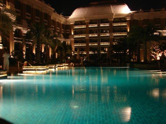 Pool Area At Night Picture Of Itc Grand Chola Chennai Chennai Madras Tripadvisor