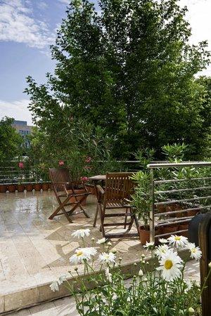 Jagello Business Hotel: Garden