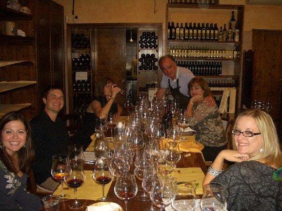 Tenuta Torciano Vineyards : Pierluigi hosting a Texas Family at Tenuta Torciano