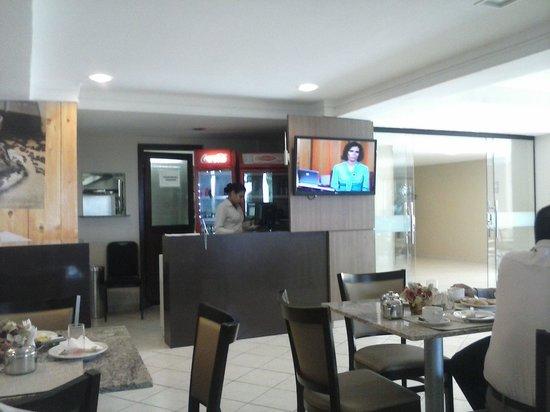 Marc Center Hotel : Parte do salão do restaurante do hotel, onde é servido o café da manhã