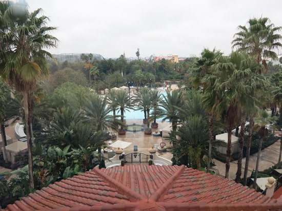 Hard Rock Hotel at Universal Orlando : View of the pool from the 6th floor