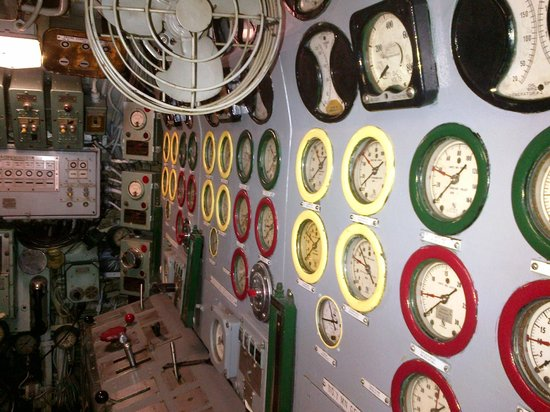 Intrepid Sea, Air & Space Museum: Inside the Gowler Sub