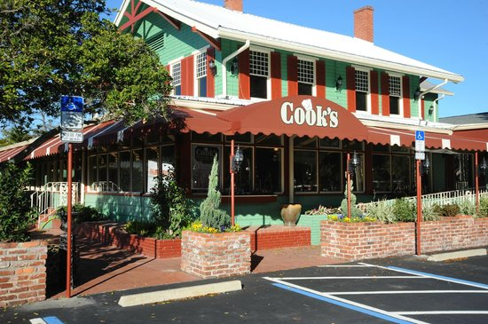 Cook's Buffet, Cafe & Bakery
