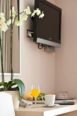 The Maritimo Hotel: Room