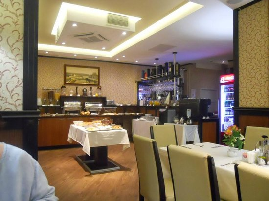 Best Western Plus Bristol Hotel : Breakfast Room