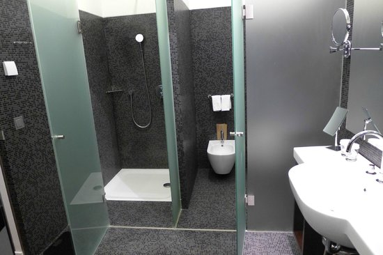 IBEROSTAR Grand Hotel Budapest : Ванная комната.