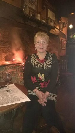 Kings Head Pub : cosy by the fire