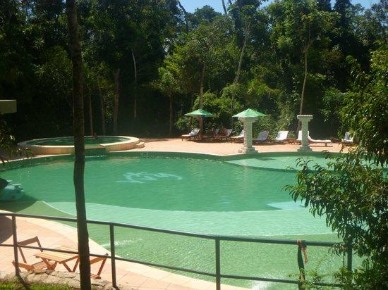 Yvy Hotel de Selva: Pileta en medio de la selva, un marco espectacular para una pileta espectacular