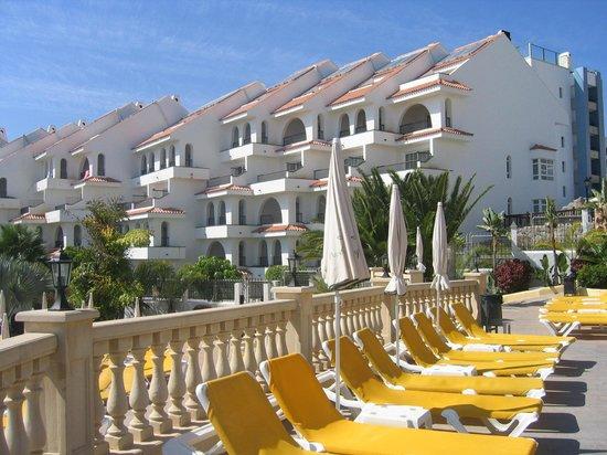 Paradise Park Fun Lifestyle Hotel: Apartments from Atlantida Complex