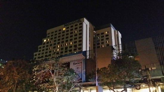 Novotel Bangkok on Siam Square : Top floor room with lights on was mine:)