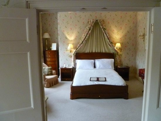 Dukes Hotel : Wellington Suite, view of bedroom from the sitting room