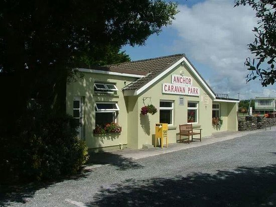Anchor Caravan Park CastleGregory: the games room and toilet block