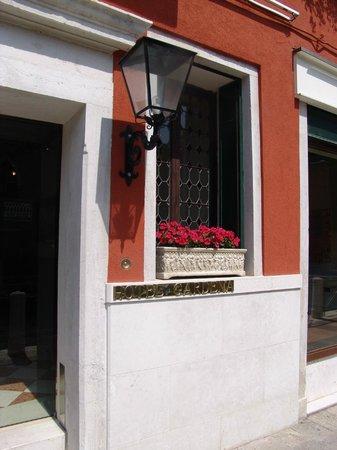Hotel Gardena : Hotel Eingang