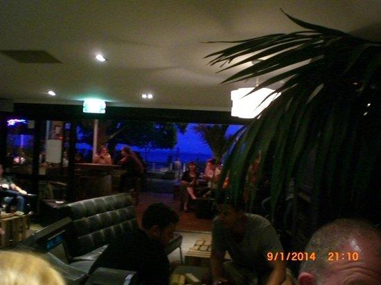 Deep Creek Brews & Eats : Great relaxing friendly atmosphere