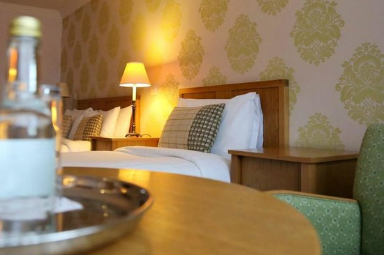 Castle Hotel and Leisure Centre: Executive Bedroom