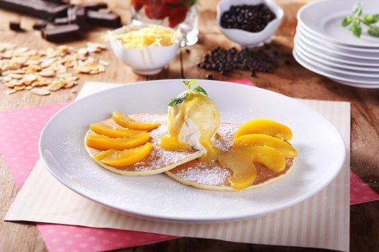 B'Steak Grill and Pancake: Peach Pancake