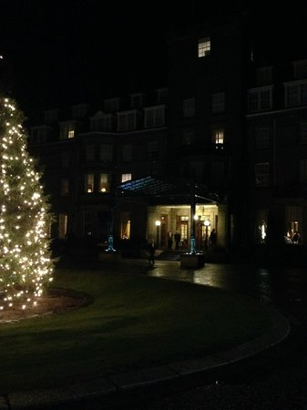 Gleneagles: Hotel entrance