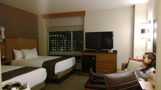 Hyatt Place New York Midtown South: Deluxe room- good fit for large family